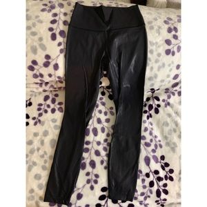 Lululemon Wunder Under Size 4